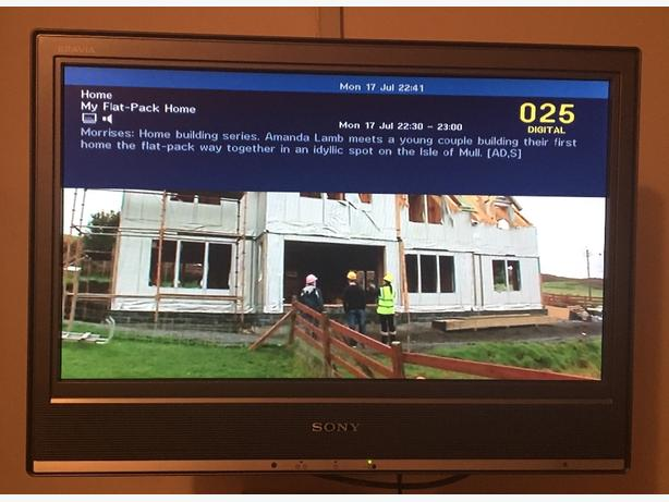 "sony bravia tv 20"" lcd tv wall mountable"