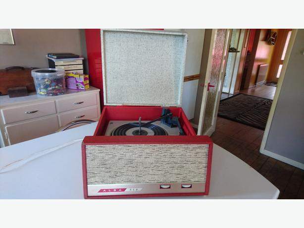 VINTAGE 1960S ALBA 212 BSR VINYL PORTABLE MAINS RECORD PLAYER SERVICED VGC
