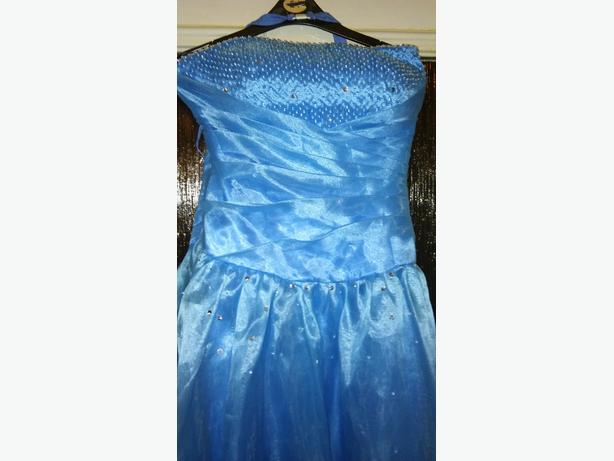 prom type dress gown blue