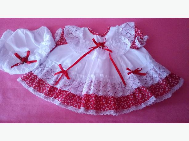 c17ea7f487f9 Nearly new baby girls frilly dress with matching panties age 0-3 ...