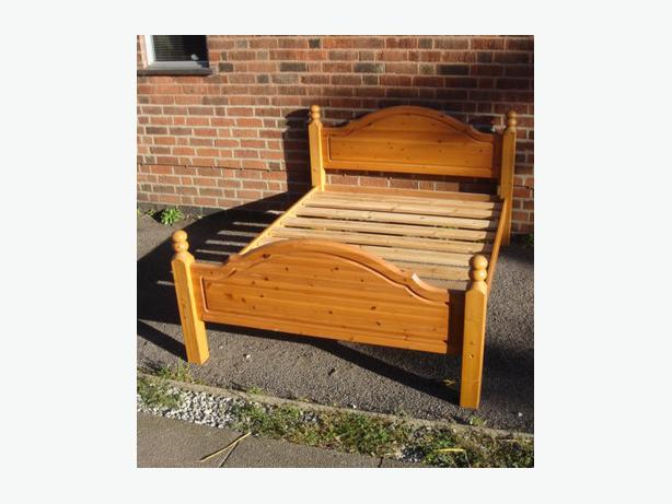 pine bed base