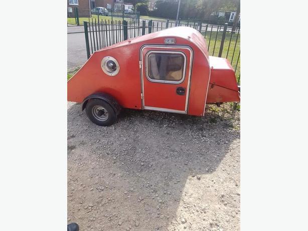 tear drop pod/mini caravan