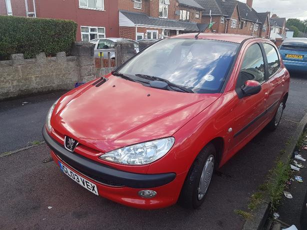 2003 PEUGEOT 206 1.4  IN GOOD CONDITION FULL MOT £575