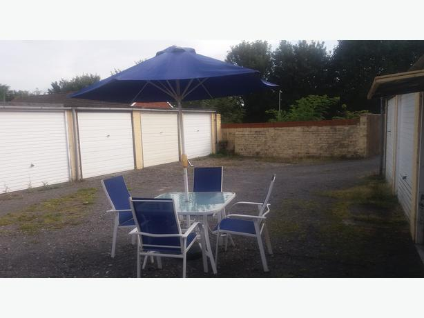 garden table,4 chairs,brolly