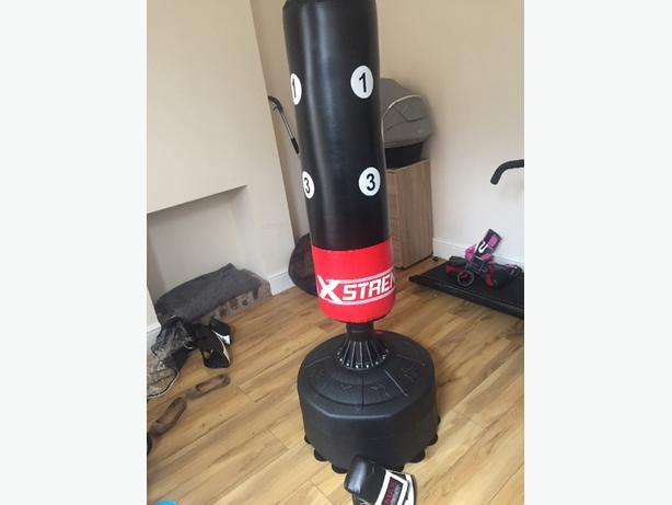 6 ft standing punch bag