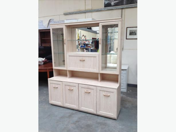 5ft LIMED OAK DRESSER \ SIDEBOARD \ WALL UNIT ~~ NEARLY NEW!! ~~ CAN DELIVER
