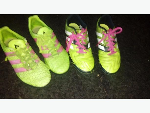 x 2 football boots