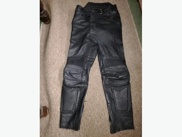 HEIN GERICKE LEATHER MOTORCYCLE TROUSERS  (50??) MED/LGE