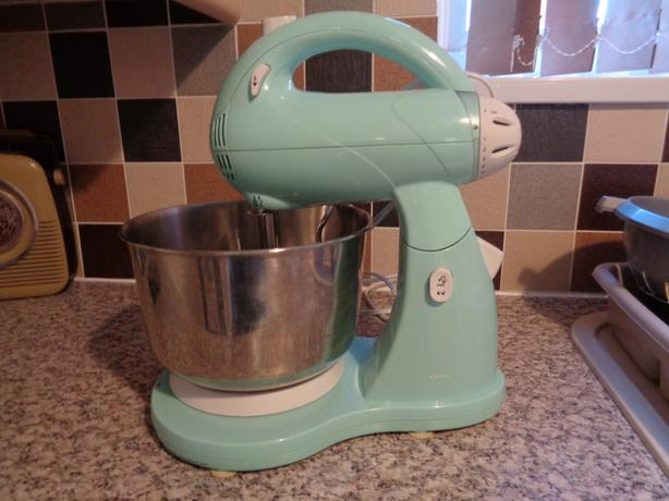 duck egg blue retro style mixer