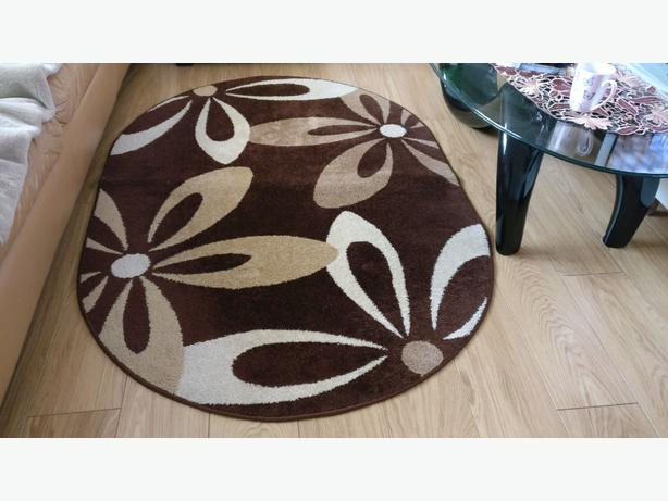 Oval rug carpet 120x170 Great condition