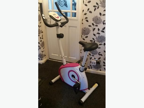 DAVINA McCALL EXERCISE BIKE