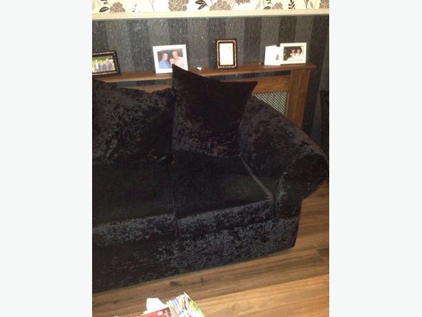 crushed velvet settee
