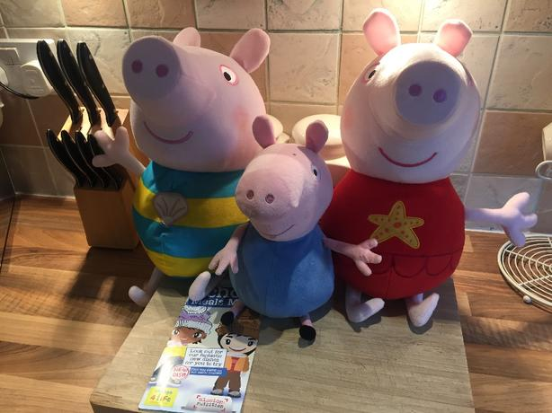 3 pepper pig teddys