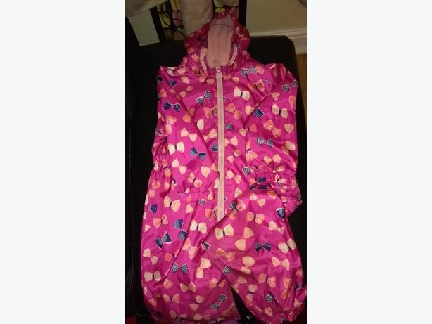 Girl's raincoat / all in one. Age 3-4 years. Fleece lined.