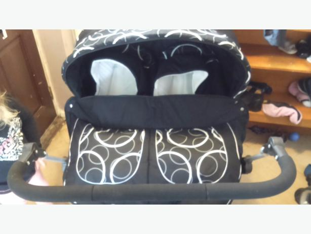 double twin pushchair