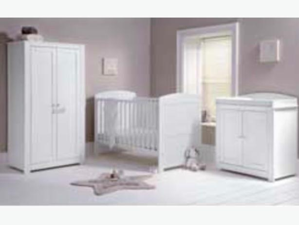 mommas and papas nursery furniture set