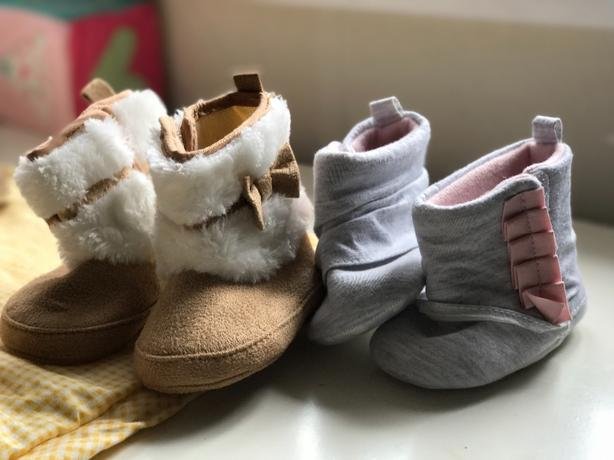 Baby girls boots 0-6 months