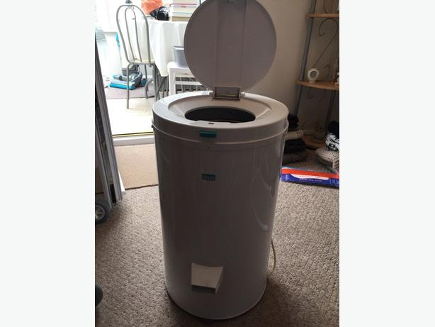 CREDA DEBONAIR SPIN DRYER TUMBLE DRYER (AS NEW)