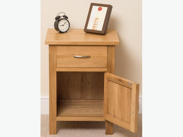 Boston Solid Oak Bedside Table [1 drawer]
