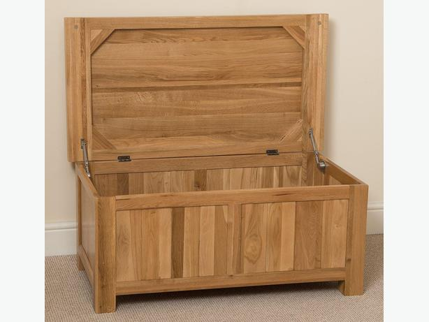 Cottage Light Solid Oak Blanket Box