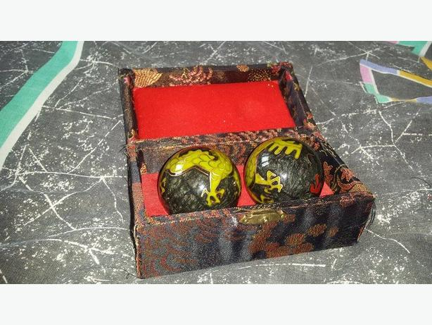 CHINESE STRESS BALLS WITH HARMONIAL TONE & DRAGON DESIGN