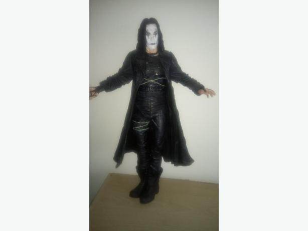 The crow figure