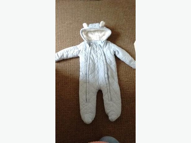 Baby Pram Suit 9-12mnths
