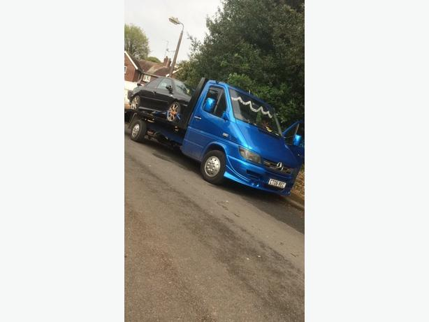 vehicle recovery and transporting service