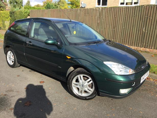 Ford Focus 1.6i Zetec 3dr – VERY RARE COLOUR !!