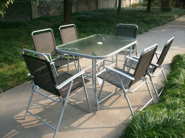 GORGEOUS PATIO SET - BARGAIN ONLY £70 - NO OFFERS