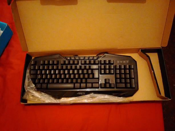 Ares Gaming illuminated keyboard