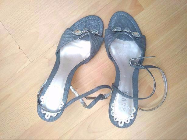 BRAND RAVEL SHOES SIZE 8