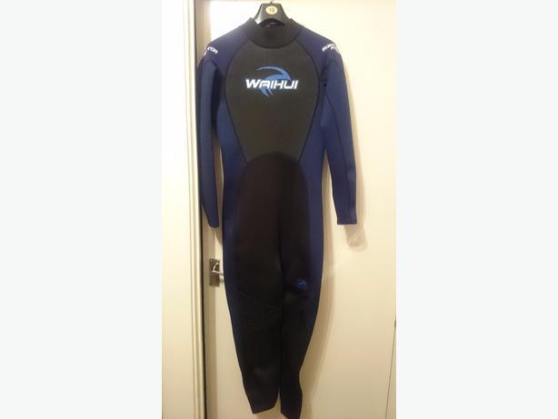 mens medium full length wet suit