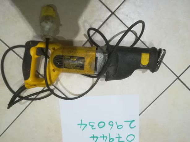 DeWalt 110v reciprocating saw sabre saw