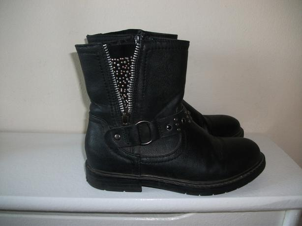 Girls Boots size 13 Outside Black