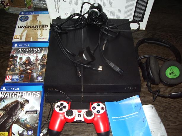 ps4 with games headset ,camera