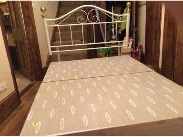 Lovely Double Divan Bed & Beautiful Headboard Good Condition Can Deliver