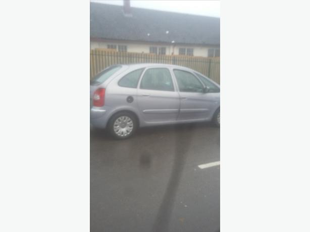 Nice family car 04 plate moted April 2lr hdi
