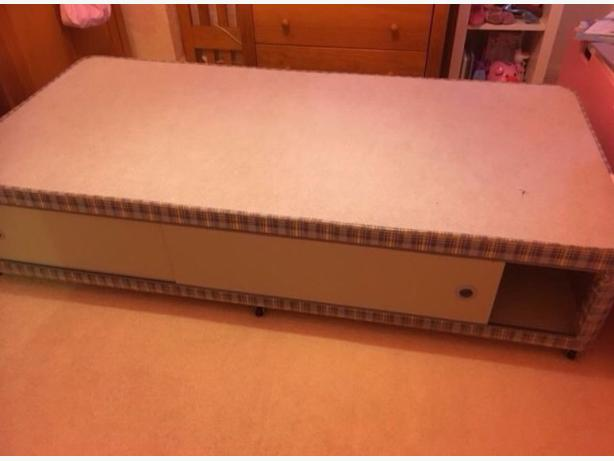 Nice Single Divan Bed Base with Storage Good Condition Can Deliver