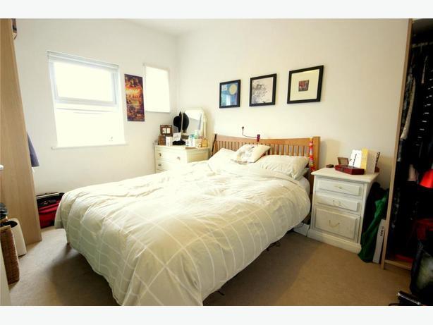 MODERN ONE BEDROOM FLAT IN GLASGOW