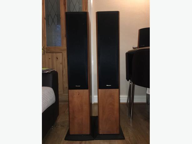 pioneer pair of dark wood effect freestanding speakers