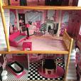 Super Sizes Dolls House.