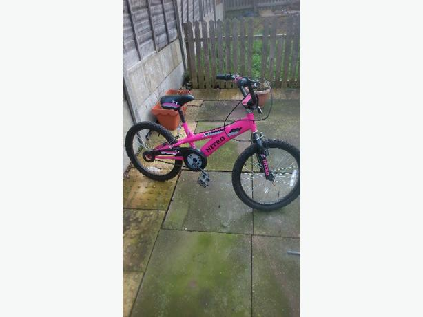 girls nitro bike like brand new