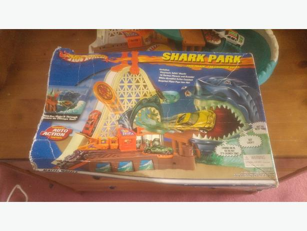hotwheels sharkpark