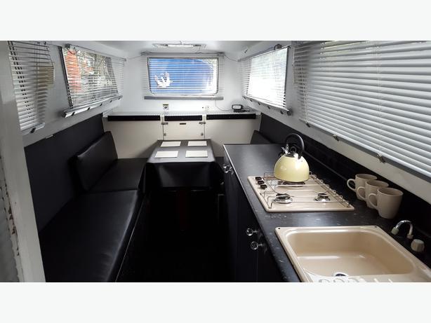 narrow boat, canal, river, cruiser, trentcraft 26ft inboard diesel, weekender,