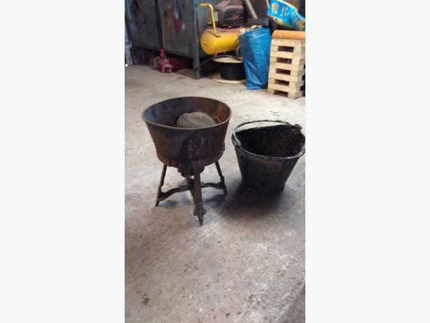 tar burner and bucket