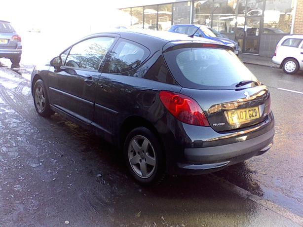 peugeot 207 quick sale 2007plate 87,000 on clock hpi clear long mot