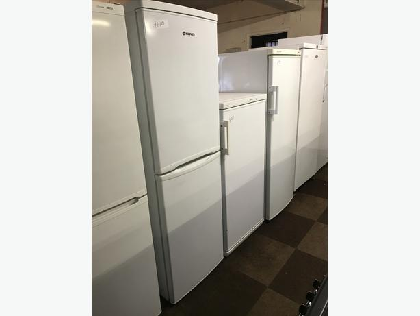 LOVELY HOOVER FRIDGE FREEZER IN GREAT CONDITION 🇬🇧🇬🇧🌎🌎🇬🇧🇬🇧