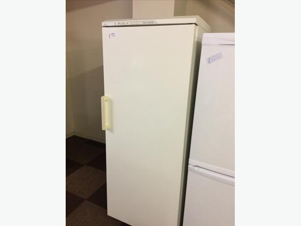 BRANDT TALL FREEZER WITH GUARANTEE 🇬🇧🇬🇧🌎🌎🇬🇧🇬🇧