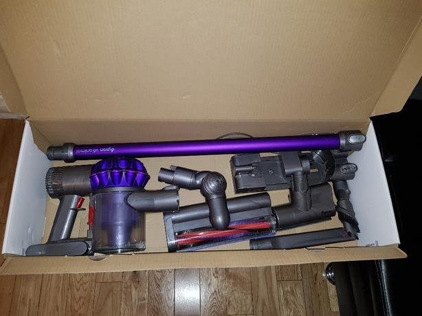 Dyson v6 animal handheld machine